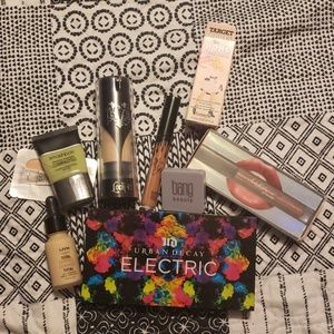 Gently used high-end and drugstore makeup bundle!